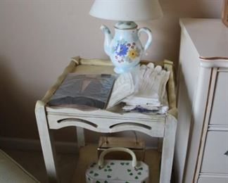 ACCENT TABLE, GLOVES, LAMP