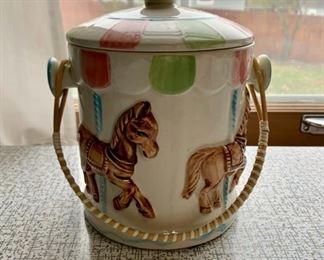 $40.00.............Vintage Carousel Cookie Biscuit Jar (P270)