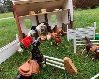 BREYER Horses Barn Accessories