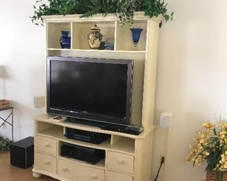 White TV/Entertainment Center