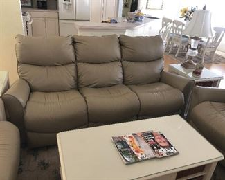 Lazy Boy Recliner Sofa/Loveseat, battery packed