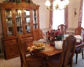 dining room, Thomasville