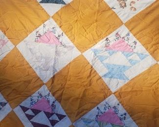 gorgeous old quilt!