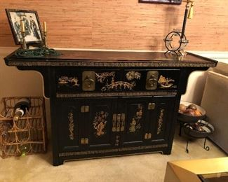 Chinese lacquered Prayer style buffet
