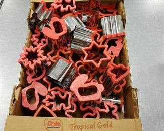 Fruit/cookie cutters