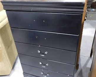 5 drawer black chest of drawers 45 1/4in H X 30in W X 15 3/4in D (2 drawers missing handles)