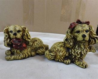 Pair of 2 dog figurines