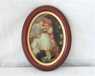 Oval Frame w/ picture of Victorian children