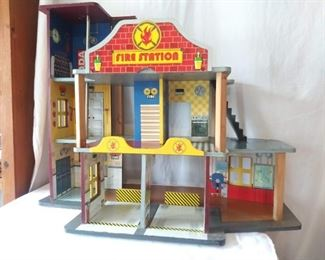 Kid Kraft Fire Station
