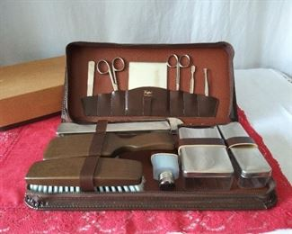 Vintage Griffon Men's Grooming Set in Box