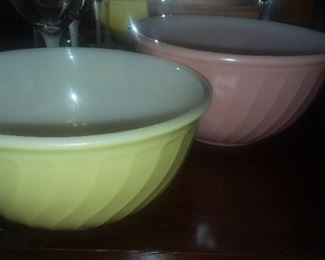 Excellent condition Fireking bowls
