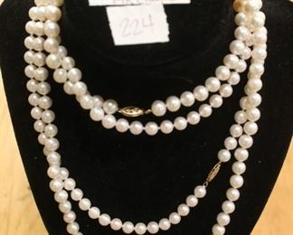 Fresh water pearls 14k clasp