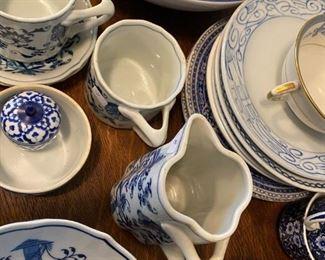Blue on white pottery, blue onion,
