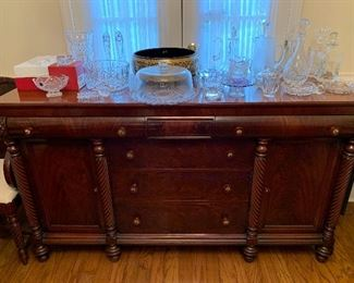 Presale item -  Liquidator favorite!   this is a gorgeous buffet in min condition - $595