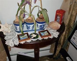 Decorative Accessories