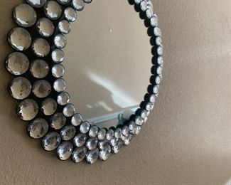 Glass bead mirror