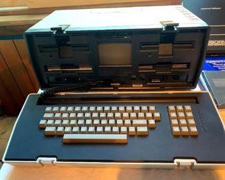 Brand New Osborne #OCC1 Computer w/Software, Printer & Extras!