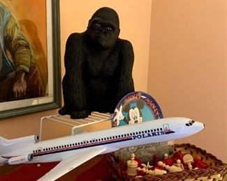 Polaris Boeing 727 Plastic Model, Vintage 1952 Universal Statuary King Kong Bank, Vintage Mickey Mouse Plate & Chess Set!