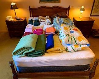 Davis Cabinet Co. Full Size Bed w/Mattress & Box Spring! Full & Queen Linens!