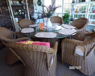 wicker set w/glass top w/ lazy susan, 6 chairs, very nice