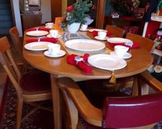 vintage table w/6 chairs
