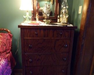 vintage chest of drawers w/mirror