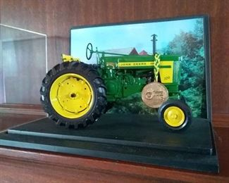 005 John Deere Diesel 720 Tractor Die Cast Collectible Farming