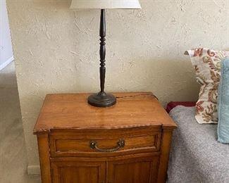 vintage nightstands, 2