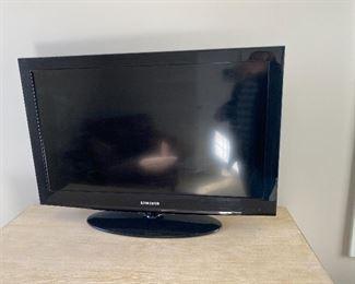 """Samsung 32"""" TV, LN32D403"""