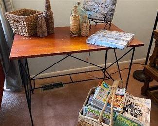Wood/metal side table/desk