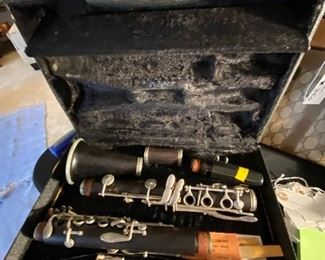 Signet Selmer clarinet with case
