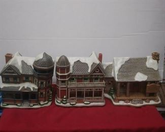 https://www.ebay.com/itm/124450452705	GN3086 LOT OF THREE USED VINTAGE CERAMIC LEFTON BUILDINGS , COLONIAL VILLAGE		 Buy-IT-Now 	 $55.00