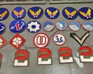 https://www.ebay.com/itm/114185493615	AB0213 LOT OF 23 VINTAGE MILITARY UNIFORM PATCHES Box 75 AB0213		 Buy-it-Now 	 $20.00