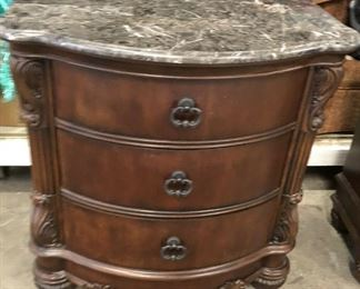 https://www.ebay.com/itm/124461171566	KG0037B Collezione Europa Marble Top Chest of Drawers Pickup Only		Auction
