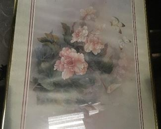 "https://www.ebay.com/itm/114509035719	LAR0037 Pink Flowers and Butterfly Print Framed Pickup Only ( 20.5"" L X 16.5"" H)		 OBO 	 $20.00"