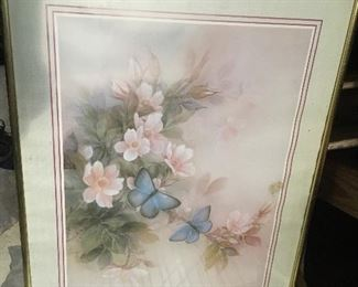 "https://www.ebay.com/itm/124432185895	LAR0040 Blue Butterflies and Pink Flowers Framed Print Pickup Only ( 20.5"" L X 1		 OBO 	 $20.00"