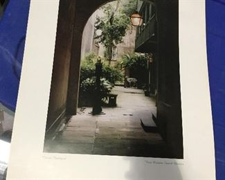 "https://www.ebay.com/itm/124368506870	LAR0049 Classic Courtyard Print New Orleans French Quarter Pickup Only ( 16"" L X		 OBO 	 $20.00"