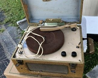 https://www.ebay.com/itm/114524910831	LAR1035: Vintage HUDSON Portable Recorder Player - not tested parts  - Pickup Only		 OBO 	 $20.00