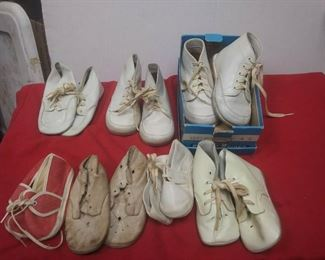 https://www.ebay.com/itm/114501819557	LX3036 LOT OF 7 PAIR OF USED VINTAGE BABY SHOES		 Buy-It_Now 	 $20.00