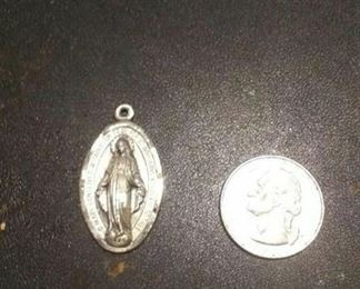 https://www.ebay.com/itm/114189645968	RX4152008 STERLING SILVER 925 CATHOLIC MARY MEDAL $20 WEIGHT 8.5 GRAMS We can		 Buy-it-Now 	 $19.00