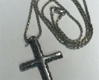 https://www.ebay.com/itm/114477304173	WL180 STERLING SILVER CHAIN AND LARGE CROSS 		 Buy-it-Now 	 $30.00