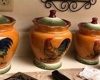 https://www.ebay.com/itm/124394066175	WL2051 4 Different Size Rooster Pottery Jars Local Pickup		 Buy-it-Now 	 $20.00