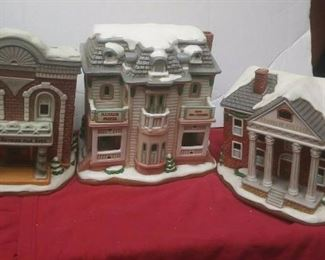 https://www.ebay.com/itm/114561880805	GN3120 LOT OF THREE USED VINTAGE CERAMIC FELTON COLONIAL VILLAGE BUILDINGS		 Buy-it-Now 	 $55.00