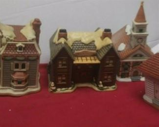 https://www.ebay.com/itm/124486381237	GN3153 LOT OF FOUR LEFTON USED VINTAGE CERAMIC COLONIAL VILLAGE BUILDINGS		 Buy-it-Now 	 $54.99