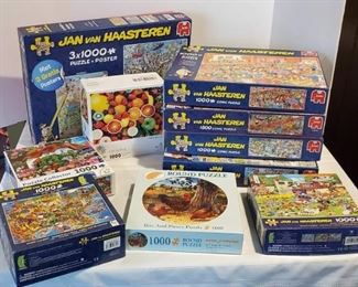 Jigsaw Puzzles, 1,00 Pieces, Seem to be Complete
