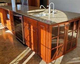 Kitchen Island With Cabinets