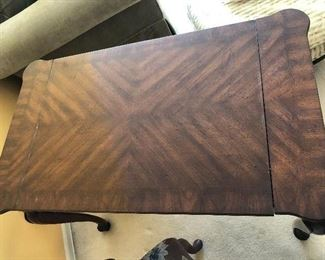 The reverse side of the table top