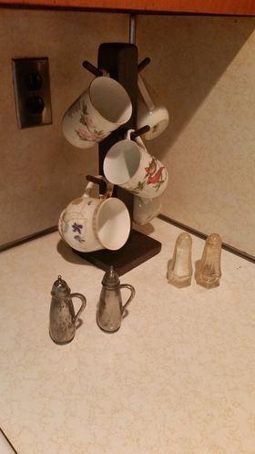 Mug tree and vintage salt and pepper shakers