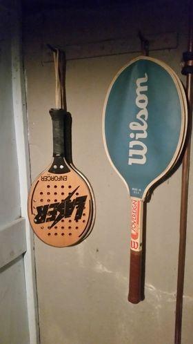 Tennis rackets / racquetball paddles