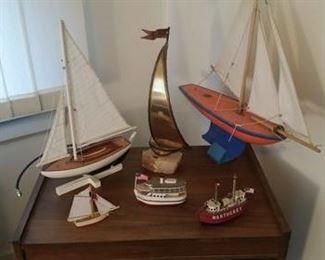 Nautical boat models / figurines